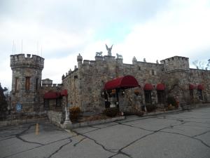 12092013 - Castle Restaurant
