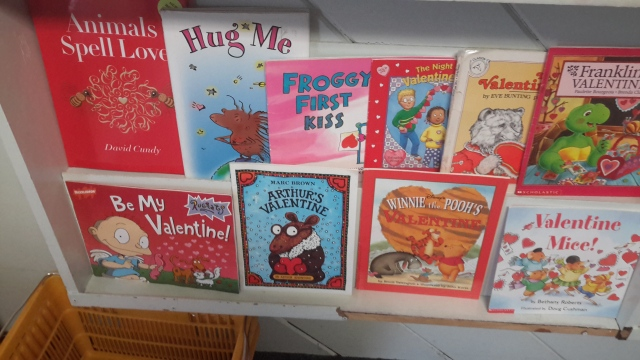01232017-valentines-day-display